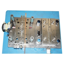 In-mold riveting Automation mold